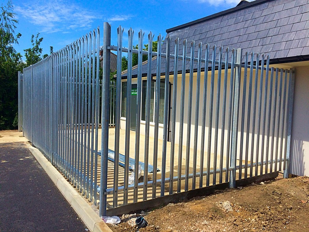 Palisade secure fencing