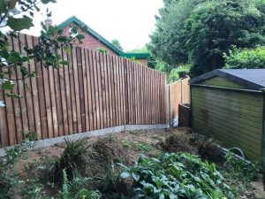 Descending garden fencing